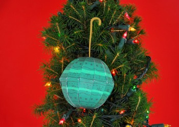 papermade_holiday_green_ball-1