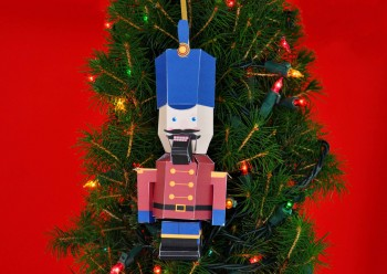 papermade_holiday_nutcracker-1