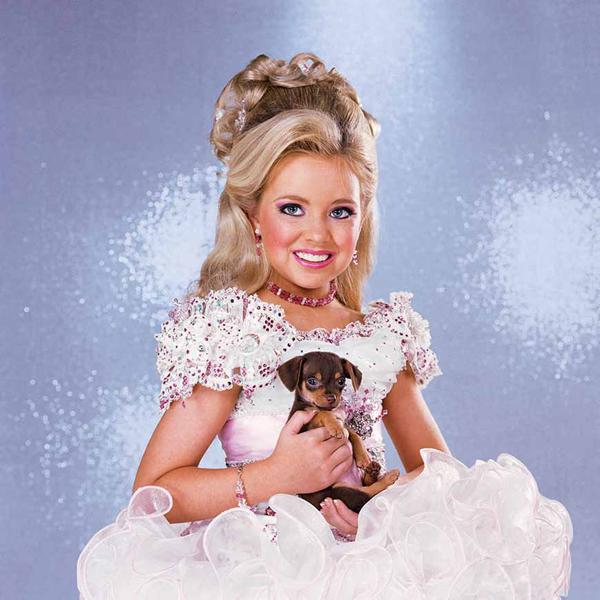 b91a1d069d22 High Glitz  The Extravagant World of Child Beauty Pageants ...